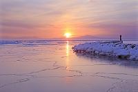 北海道 流氷と知床半島からの朝日