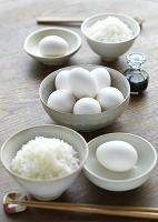 卵のある食卓イメージ
