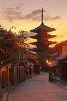 京都府 八坂の塔と夕景