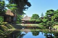 福島県 心字の池の中央にある楽寿亭と御茶屋御殿