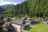 富山県 山間に佇む五箇山菅沼集落