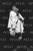 「クイーン」フレディ・マーキュリーのファッション思想