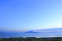 夕暮れの利尻島
