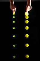 大小2個のボールを同時に落下