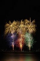 長野県 諏訪湖祭湖上花火大会 スパークリングスターマイン