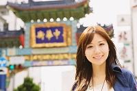 中華街にいる日本人女性