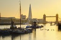イギリス ロンドン タワーブリッジとザ・シャード