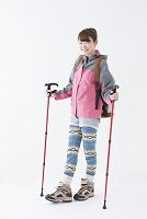 登山スタイルの日本人女性