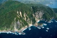 伊浜周辺の断崖
