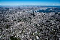 横浜弘明寺周辺の街並みより横浜市街地と横浜港方面