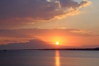 島根県 中海と大山からの日の出