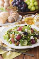 葡萄とカッテージチーズのサラダ