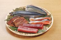 DHA(ドコサヘキサエン酸)多く含む食材