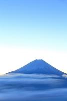山梨県 櫛形山林道 夜明けの富士山と雲海