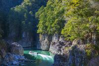 奈良県 冬の瀞八丁とウォータジェット船 瀞峡