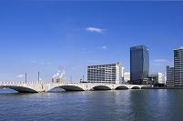 新潟県 萬代橋とメディアシップ