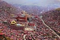 中国 カンゼ・チベット族自治州 ラルンガルゴンパ