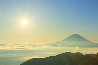 山梨県 丸山林道 夜明けの富士山と朝日