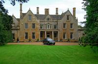 イギリス オックスフォードシャー マナーハウスと車