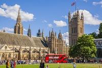 イギリス ロンドン 国会議事堂と二階建てバス