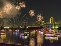 東京都 レインボーブリッジと花火
