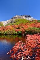 栃木県 茶臼岳の紅葉とひょうたん池