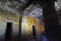 インド アジャンター石窟群 第2窟 壁と天井に描かれた絵
