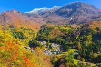 長野県 紅葉の秋山郷と苗場山