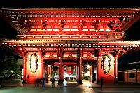 浅草寺 宝蔵門と大わらじ