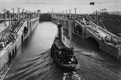 パナマ運河開通 (1914年8月)