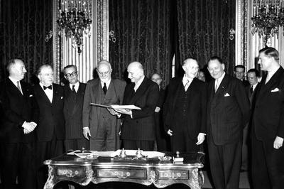 欧州石炭鉄鋼共同体 設立 (1951年4月)
