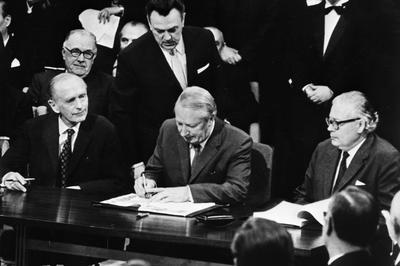 英 EC加盟条約調印 (1972年1月)