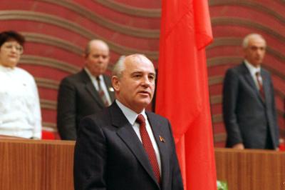 ソ連、ゴルバチョフ大統領が就任 (1990年3月)