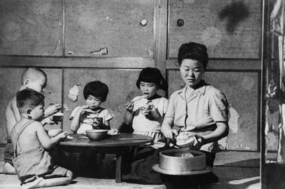 戦後占領期日本の生活   写真素材・ストックフォトのアフロ
