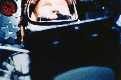 米初の有人地球周回飛行に成功