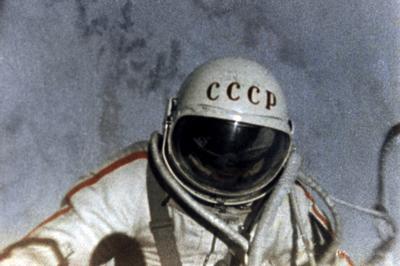 人類初の宇宙遊泳