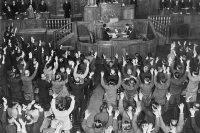 第4次吉田内閣「バカヤロー解散」(1953年3月14日)