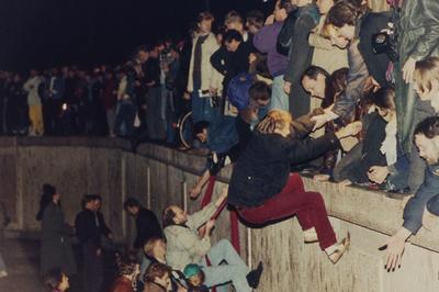 「ベルリンの壁」崩壊
