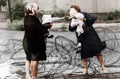「ベルリンの壁」出現