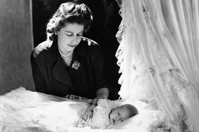 イギリス王室 エリザベス女王