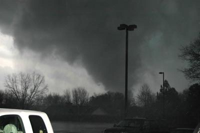 米中西部で大規模竜巻群(2008年2月5日)