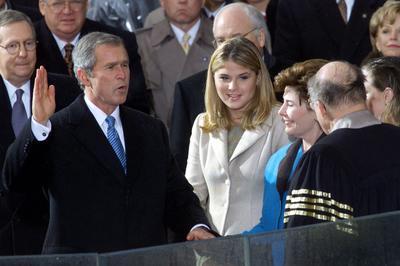 ブッシュ大統領が就任(2001年1月20日)