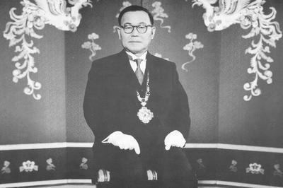 尹ボ善(ユン・ボソン)