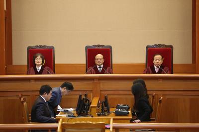 2015/12/23 日韓請求権訴訟で、違憲性の判断せず