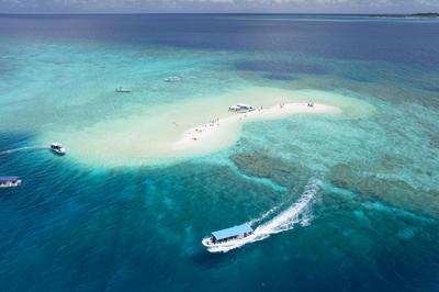【ドローン】沖縄の豊かな海と島
