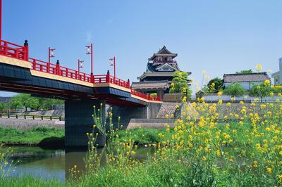 信長の死後移り住む: 清洲城跡 (愛知県)