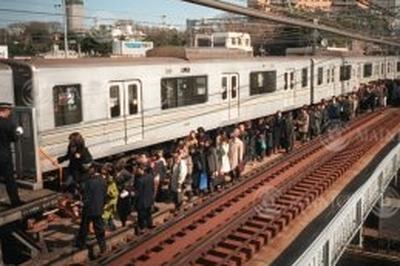 日比谷線脱線事故(2000年3月8日)