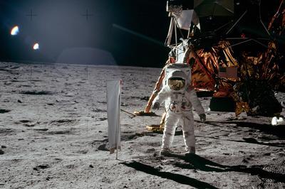【アポロ11号月面着陸】