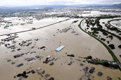 西日本で記録的豪雨