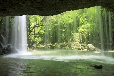 日本の滝の絶景